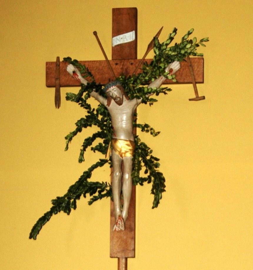 Sainlez crucifix